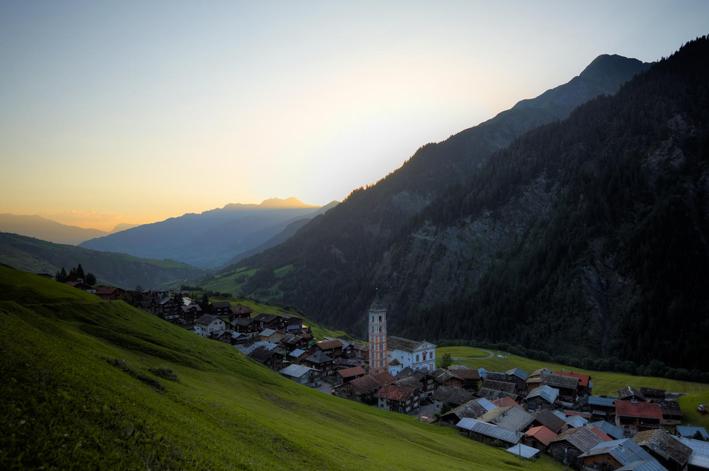Bergdorf Vrin im Val Lumnezia, Graubünden, Schweiz